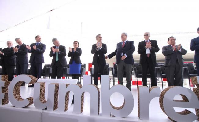 cumbre_infonavit_2016_financiamiento_a_la_vivienda.jpg